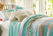 Summer Bedroom / This is summer inspiration for your bedroom, it's colourful and pretty.