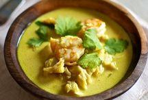 sopa de coco , pescado y marisco