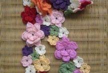 Fiore sciarpa all'uncinetto