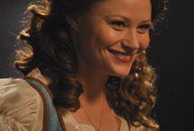 Belle French / Emilie de Ravin