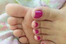 annye_feet
