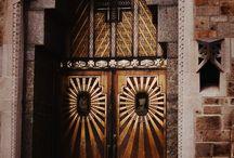 doors/knobs/hinges / by Kathleen De Simone