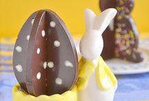 Chocolats et douceurs de Pâques / Pâques... Navarin d'agneau, brioches, chocolat, oeufs, poule, lapin, cloches. Régalez-vous de cette cuisine pascale.