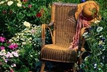 Den perfekte læseplads / En blød stol, en hængekøje, en læsesal, i sengen, på gulvet, i græsset eller stående ved køkkenbordet. Hvad er din favorit læseplads?
