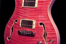 Guitars *_*