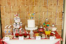 Party Ideas / by Danielle Matinchek