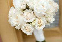 Flower arrangements / by Kim Livelaughlove