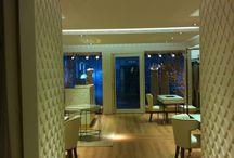 Tienda Pronovias utilizando productos Orac Decor / Tienda Pronovias, molduras, zócalos, y perfiles arquitectónicos de Orac Decor. Venta On Line: www.exxentdecor.com Información: 931 283 529 / 645 543 570