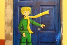 Puertas, balcones, ventanas y otros de diversos países. / Variedad de hermosas puertas, balcones, etc. del mundo.