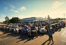 AUSTRALIA : vintage Citroen / Voyage aventure en Citroen Traction-Avant à travers l'Australie de Perth à Brisbane via Uluru, en 1998 et 2000. Prochain et dernier TRACBAR DUNDEE en Aout 2018. Photos © T3 / Jean Christophe MOREAU