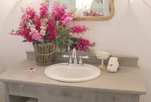 Bathrooms / by Donna Togger