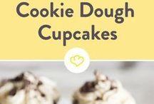 Cupcakes & Muffins / Cupcakes und Muffins. Leckere kleine Kuchen und Törtchen. Es muss nicht immer ein ganzer Kuchen sein. Muffins lassen sich toll mitnehmen und individuell gestalten. Cupcakes haben tolle Toppings. #Cupcakes #muffind #rezept