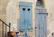 Велосипеды, лодки, двери и мосты