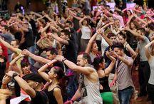 Dans / Denna anslagstavla handlar om dans i olika former. Kommer troligtvis finnas mycket Salsa och Bachata här eftersom det är de danser IDance brinner för