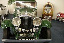 Samochody / Różne miejsca Świata, zdjęcia różnych samochodów (stare samochody, niektóre już wycofane z produkcji). Prócz samochodów osobowych proponuję także ciężarowe (jeśli uznałem, że są ciekawe).