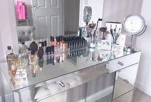 Makeup table! ❄️