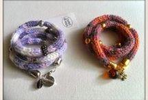 braccialetto e collane