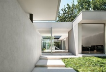 courtyard house / by Lisa Rorich