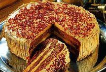 1 torta amit Kevinnek sütök kedvenc
