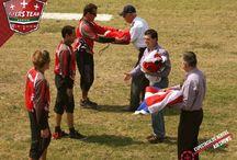 Estruendo, Espectáculo Aéreo de León 2011 / El lugar del evento fue el Parque metropolitano de León. Guanajuato. Mx. con una asistencia de 81,000 personas el evento se realizo con la finalidad de dar posicionamiento turístico a la ciudad de León.  Acrobacias aéreas y un grato momento fueron algunas de las tantas cosas que pudieron disfrutar los asistentes al evento, donde Flyers Team nuevamente logra el cometido de llevar la emoción por la aviación deportiva a otra ciudad de la república mexicana.