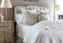 Bedroom Ideas / Ideas to decorate your bedroom with lots of cottage style and farmhouse inspiration.