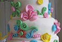 Fondant flower torta