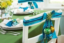Holiday Table Settings / by Lezlie Kleitsch