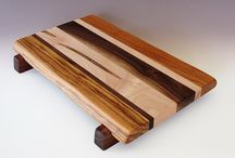 Home: Wooden cutting board