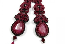 Beautiful handmade earrings / An inspirational collection of ravishing handmade earrings, in techniques of beading, bead embroidery and soutache.