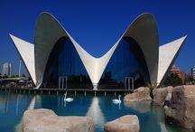 Edificio Rte. Submarino / Espectacular edificio del restaurante Submarino diseñado por Félix Candela y enmarcado en el Oceanogràfic también diseñado por él.