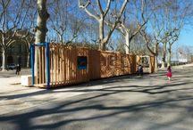 Collectif Parenthèse / Formado en 2012 por un grupo de amigos y arquitecos, proporciona un marco para las prácticas de reflexión y experimentación alrededor del espacio y de la ciudad.  http://www.collectifparenthese.com/