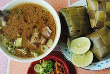 Kuliner Khas Makassar / Kuliner khas Makassar yang tidak boleh Ezytravelers lewatkan saat bertandang ke Negeri Angin Mamiri ini.