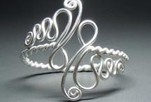 Biżuteria z drutu - pierścionki, kolczyki / Biżuteria