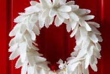 Christmas Wreaths / Discover gorgeous Christmas Wreaths to bring Christmas cheer to your home at Christmas Inc: http://christmas-inc.com/favourite-christmas-wreaths/