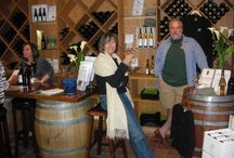 Let's Go Wine Tasting / Great wineries from which you can reserve tours or book wine tasting.