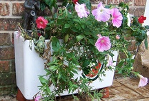 Toilet Tank Flower Planters / Creative ways to recycle an old toilet tank.
