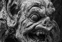 Grotesques, gardens, and the abandoned