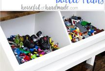 Small kids room organization