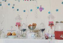 D1J - Anniversaire, 3 ans de Louise, la reine des neiges / Anniversaire enfant Candy Bar Dessert table La reine des neiges Frozen