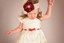 Holiday Baby Photos / Adorable holiday baby/newborn photos by Paper Crane Studios