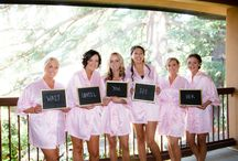 Getting Ready {So Eventful} / Bride + bridesmaids and groom + groomsmen getting ready before the wedding ceremony