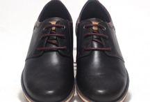 Zapatos de Vestir para Hombre / Aquí podrás encontrar la mejor selección de zapatos de vestir para hombre, de las mejores marcas como Martinelli, Pikolinos, Fluchos... y de la mejor calidad en piel. Descubre las últimas tendencias en zapatos de vestir para hombre.