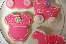 Cupcake and cookies / Choice cupcakes / by Catherine Beaudry