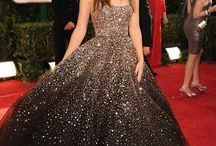Red carpet / celebs, clothes and fashion