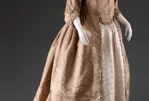 18th century: Damask robe à l'Anglaise