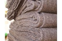 415 GRAMS - HANDSPIN AND HANDWOVEN HEAVY WOOL FABRIC - NATURAL DAR BROWN COLOUR / HANDSPIN AND HANDWOVEN HEAVY WOOL FABRIC -