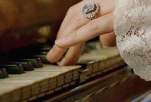 pianos picture