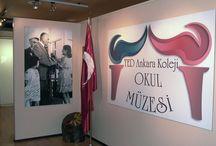 """Okul Müzesi / TED Ankara Koleji Vakfı Okulları'nın, kuruluş yılı olan 1931'den günümüze kadarki tarihsel birikimini gelecek kuşaklara aktaran """"Okul Müzesi"""", İncek Kampüsü'nde, idari bina zemin katında bulunmaktadır. 21 Mayıs 2008 tarihinde açılan Okul Müzesi, TC. Kültür ve Turizm Bakanlığı tarafından 25.07.2008 tarih ve 137703 sayılı oluru ile """"Özel Müze"""" statüsü kapsamına alınmıştır."""