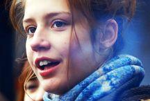 La vida de Adelle (2013) / Película francesa dramática - romántica dirigida, escrita y producida por Abdellatif Kechiche.