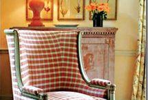 Poltrone & divani ✔ / Chiacchierare  o guardare la tv o mille altre cose accomodati su una bella poltrona o divano comodosa e sciccosa non ha prezzo